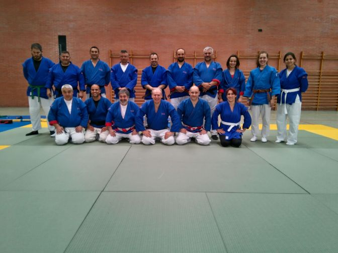 Entrenamiento preparatorio de Defensa Personal Policial en la Academia Trafico de Mérida